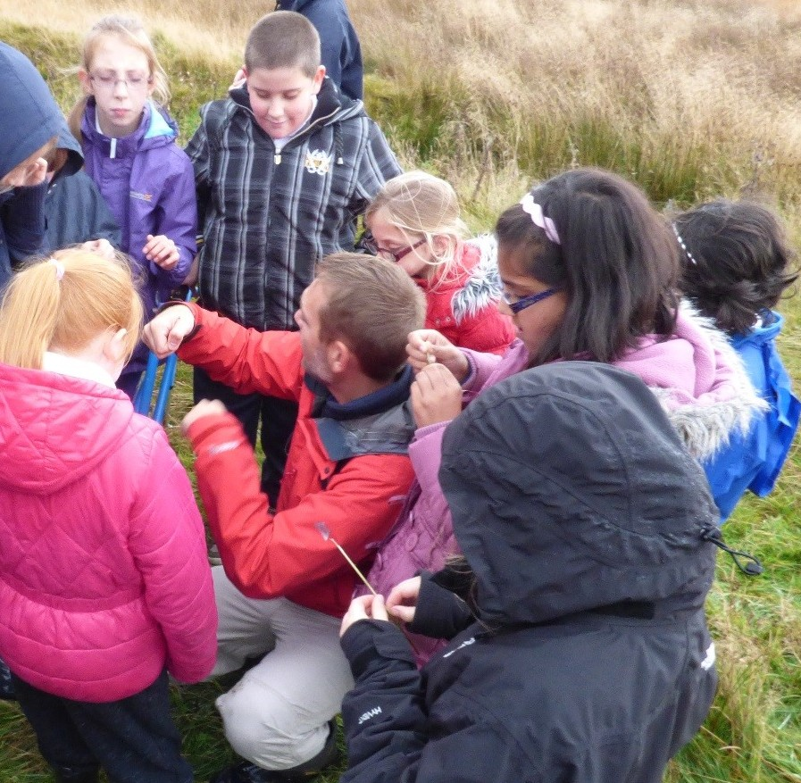 Leading a school group at Airds Moss (c) CEI 2015